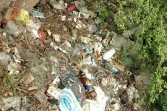 Napoli, in pragul unui dezastru sanitar. E sufocat de gunoi