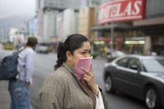 Romanii din Spania si Mexic traiesc cu frica din cauza gripei