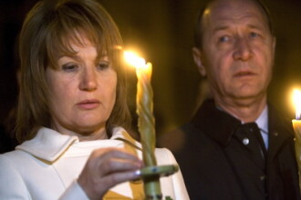 Familia Basescu a luat lumina de inviere de la Miercurea Ciuc