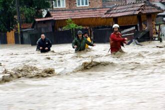 Cod rosu de inundatii pe raul Prut. Zeci de persoane au fost evacuate