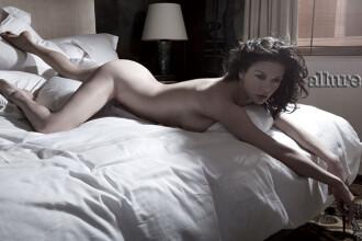 Catherine Zeta Jones se dezbraca la 40 de ani! Si e sexy rau!