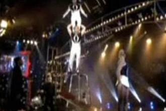 Un circ mai putin ...obisnuit! Soldatii columbieni, acrobati desavarsiti
