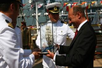 Traian Basescu isi asigura viitorul: si-a reinnoit brevetul de marinar!