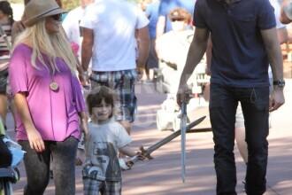 De nerecunoscut. Christina Aguilera, invinsa de kilograme. FOTO