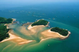 Vrei sa-ti cumperi o insula pustie? Au chinezii de vanzare