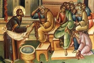 Inaltii prelati au spalat picioarele a 12 copii, dupa modelul lui Iisus