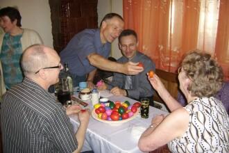Tuica & pasca rules! Cum au petrecut strainii veniti de Paste in Romania