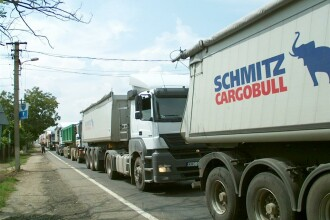 Cosmar in trafic spre vama Nadlac. Sute de camioane blocheaza sensul de mers spre frontiera