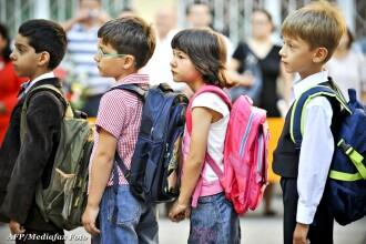 Ce-i asteapta pe elevii romani la scoala, incepand de azi: examene, evaluari si calendarul probelor