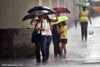Avertizare COD PORTOCALIU de ploi pentru 12 judete, valabila de luni dupa-amiaza