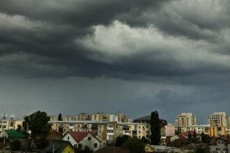 Informare meteo de ploi torentiale si vant, de duminica dupa-amiaza. Zonele vizate