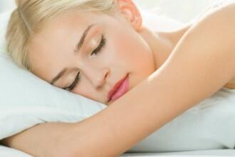 Ce sa faceti cand nu puteti dormi din cauza caldurii. Sfaturi simple pentru un somn linistit