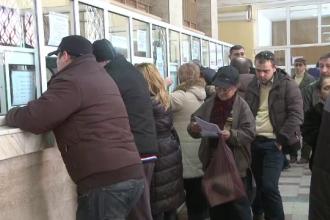Cine isi plateste online taxele in Romania. 7 milioane de romani care ar putea sa nu stea la coada