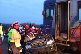 Tragedie in judetul Arad. Doi tineri au murit dupa ce masina in care se aflau a fost lovita de tren