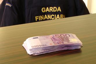 Controale la casele de schimb valutar din Timisoara. A fost confiscata suma de 30.000 de euro