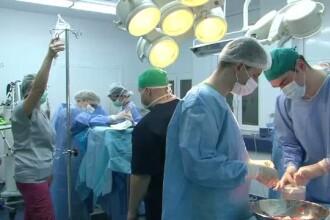 Tumoare gigant, de 20 de kilograme, extirpata la Clinica de Urologie si Transplant Renal din Cluj