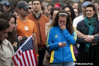Atentatele din Boston. Locuitorii orasului isi plang mortii