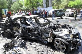 Intreaga lume e cu ochii pe Siria. Premierul a scapat dintr-un atentat cu o masina-capcana. FOTO