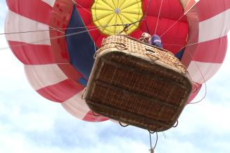 Pentru 10 lei, timisorenii au putut vedea orasul de la inaltime, dintr-un balon cu aer cald. Banii,folositi in scop caritabil