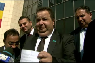 Dorin Cioaba si-a inregistrat partidul de Ziua Internationala a Romilor. A venit cu ALAI la tribunal