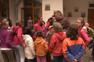 Lectia de omenie data de un calugar franciscan, care a salvat mii de orfani, duminica, 13 aprilie, la Romania te iubesc