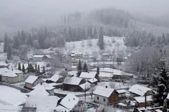 Cu doar cateva zile inainte de Paste, in Romania a nins ca de Craciun. Strat de zapada de 10 cm la Predeal