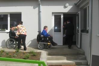 Zeci de persoane cu dizabilitati din Arad vor fi instruite si ajutate sa-si gaseasca un loc de munca