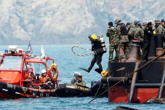 Cadavrele a 48 de fete, scoase din apele sud-coreene. Numarul victimelor in dezastrul de feribot a ajuns la 183