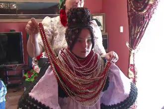 Rochia de mireasa de 30 de kilograme, purtata de o mireasa din Satu Mare. Cum arata nunta traditionala in Tara Oasului