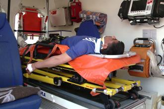 Dupa ce a provocat un accident in lant si a incercat sa fuga de politisti, un sofer a ajuns la spital. Ce ascundea barbatul