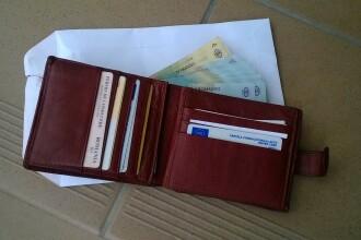 Gestul pe care l-a facut o femeie care a gasit intr-o benzinarie din Timisoara un portofel plin cu bani