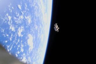 Povestea imaginii NASA devenita viral dupa 8 ani. Ce se ascunde in costumul de astronaut care pluteste liber in spatiu