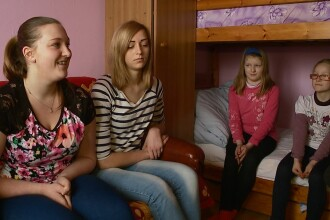 Incercati de soarta. O mama singura cu sase copii din Cluj duce pe umeri o povara greu de suportat