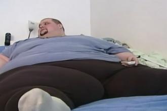 Operatiune cu greutate in SUA. Un barbat de 450 de kilograme a fost mutat cu macaraua la un azil