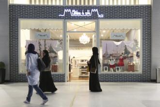 Un turist ratacit in Dubai risca 6 luni de inchisoare dupa ce a batut pe umar o politista pentru a cere indicatii