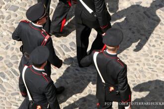 O banda de romani ar fi comis 100 de furturi in Italia. Cine ii ajuta sa intre in locuintele victimelor