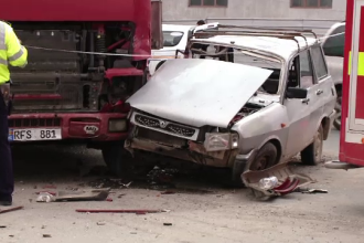 Accident grav in Brasov. Un barbat de 65 de ani a murit nevinovat, dupa ce masina sa a fost izbita puternic de un TIR