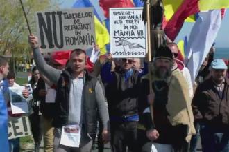 Zeci de localnici au protestat in Vama Veche. De ce se tem oamenii de gazduirea refugiatilor in zona