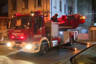 Doua incendii consecutive in caminul studentesc al Universitatii de Medicina din Bucuresti. 9 persoane au ajuns la spital