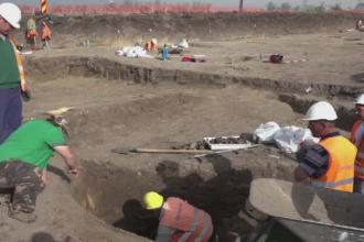 Muncitorii care lucrau la autostrada Sebes-Turda au facut o mare descoperire. Lucrarile au fost oprite imediat