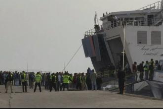 Inca 124 de refugiati, trimis din Grecia in Turcia. Migrantii au strigat