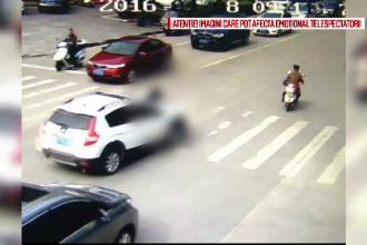 Accident infiorator in China. Ce a patit o batrana dupa ce a intrat intr-o intersectie fara sa se asigure
