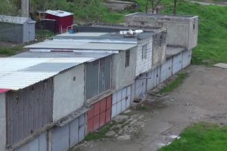 Inventia unor galateni, garajul cu etaj. Primar: