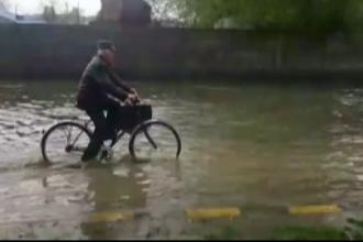 Orasul Moreni, inundat in cateva minute dupa ploaia torentiala de marti. Cea mai mare nemultumire a locuitorilor