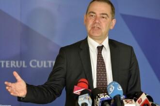Ministrul Culturii si-a anuntat demisia pe Facebook. Iohannis :