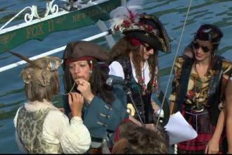 S-au casatorit pe o barca de pirati si si-au jurat iubire pe spaghete. Cum arata prima nunta in stil pastafarian