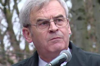Presedintele Klaus Iohannis si premierul Dacian Ciolos, dati in judecata. Laszlo Tokes ii acuza ca au incalcat Constitutia