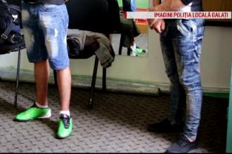 4 tineri din Galati au luat-o la fuga printre blocuri cand au vazut masina de politie. Ce au descoperit ofiterii asupra lor