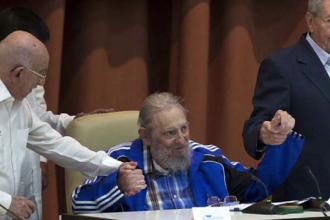 Discursul febril al lui Fidel Castro in fata a 1000 de
