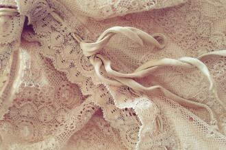 O rochie veche de 400 de ani a fost descoperita in epava unei flote regale. Cui i-a apartinut